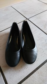 Women's Flats (EUR 38) in Ramstein, Germany