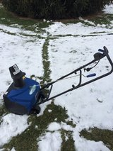 "LOOK  Snow Joe; SJ1620 Electric 18"" snowthrower with cover like new CLEAN in Chicago, Illinois"