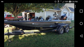 Want to buy non running bass boat in Byron, Georgia