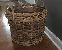 Decor basket (large) in Aurora, Illinois