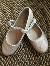 The Children's Place shoes size 3 in Bolingbrook, Illinois
