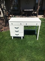 Desk MCM White / clean lines perfect finish /solid wood /dovetail drawers in Naperville, Illinois