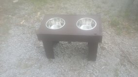 18 in. High Dog feeder in Hopkinsville, Kentucky