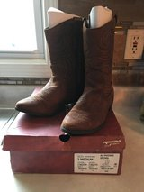 Girls brown boots in Aurora, Illinois