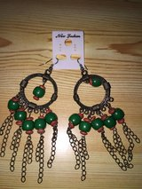 Earrings Big Green in Fort Campbell, Kentucky