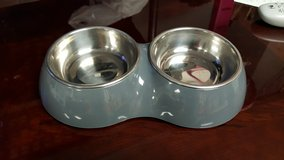 Small dog/cat food and water bowl set in Naperville, Illinois