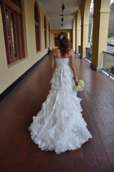 WEDDING DRESS NEVER WORN, UNALTERED, LACE and ORGANZA GOWN BY ENZOANI in Chicago, Illinois