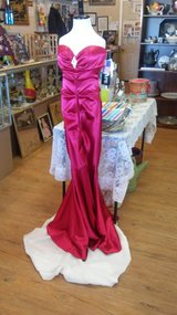 NWT Red Formal Gown Size 2 in 29 Palms, California
