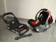 Baby Trend car seat and base in Stuttgart, GE