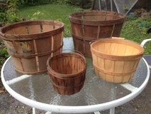 Vintage baskets in Glendale Heights, Illinois