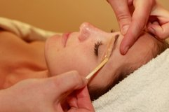 WAXING Eyebrows in Norfolk, Virginia