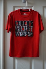 Boys Starter Red Coach's Secret Weapon Graphic T-Shirt Size 6/7 in Joliet, Illinois