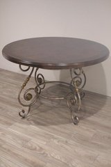 Elegant Round Table in Spring, Texas