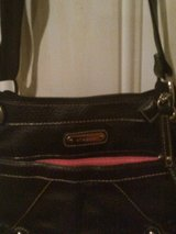 Black Shoulder Purse--Reducing from $5 to $3 ?????????? in Hopkinsville, Kentucky