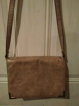 Tan Shoulder Bag--Reducing from $5 to $3???????????? in Hopkinsville, Kentucky
