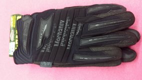 Mechanix gloves new in Yucca Valley, California