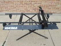 Yakima Roof Rack w/ Clamp Style Bike Rail and Wind Fairing in Naperville, Illinois