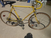 Vintage 1974 Schwinn Continental Lemon Yellow Men's 10 Speed Bike in Chicago, Illinois