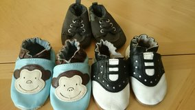 Robeez Wrap Around Leather Baby Shoes 2 pr in Baytown, Texas