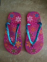 BRAND NEW! Girls Flip-Flops, Size L(3-4) in Fort Campbell, Kentucky