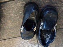 Toddler size 6 black shoes in Yorkville, Illinois