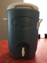 NEW Igloo 5 Gallon Seat Top Cooler in Naperville, Illinois