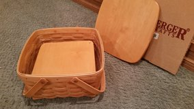 Longaberger Cake Basket with Protector, Lid and Pie Shelf in Plainfield, Illinois