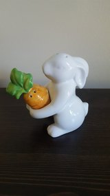Pier One Easter Bunny Salt and Pepper holder Shakers in Chicago, Illinois