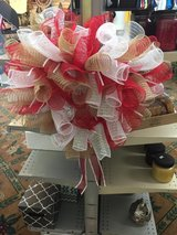 Red and white mesh wreath in Fort Bragg, North Carolina
