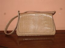 liz claiborne purse in Lockport, Illinois