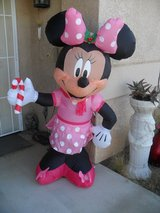 ==  Infatable Minnie Mouse  == in Yucca Valley, California