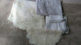 Lace tablecloths, runners, doilies, etc in Orland Park, Illinois