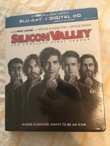 Silicone Valley Season 1 Blu-ray in Fort Campbell, Kentucky