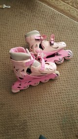 Girls rollerblades in Joliet, Illinois