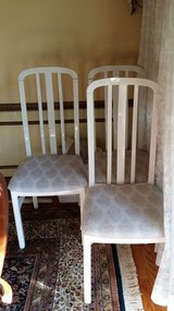 White Chairs:  Kitchen Chairs/Dining Room Chairs - Six in Naperville, Illinois