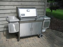 WEBER GENESIS PLATINUM PROPANE GAS GRILL with 2 Propane Tanks in Naperville, Illinois