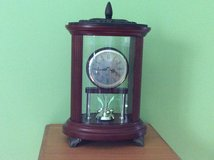 Tabletop clock from Bombay company, works on AA batteries . in Glendale Heights, Illinois