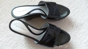 BLACK PATENT SUMMER WEDGE SANDALS SIZE 5-1/2 M BY TAHARI in Chicago, Illinois