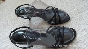 VERY NICE BLACK LEATHER SUMMER SANDALS 5-1/2 M BY NINA in Chicago, Illinois