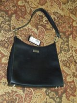 GUESS purse in Lockport, Illinois