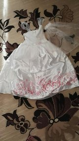 Princess dress with accessories 4/5T in Ramstein, Germany