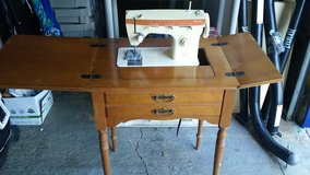 Singer Fashion Mate 362 Sewing Machine in Naperville, Illinois
