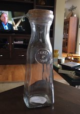 Glass Carafe With Stopper in Joliet, Illinois