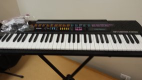 Cascio CTK-520L keyboard with stand in Glendale Heights, Illinois