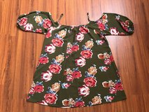 2X-3X floral olive blouse $9 in Okinawa, Japan