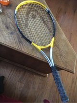 Magnesium 1000 Tennis Racket in Fort Campbell, Kentucky