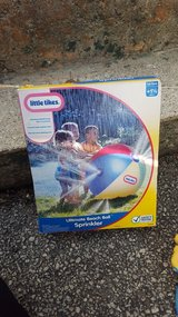 Little tikes ultimate beach ball sprinkler in Yorkville, Illinois
