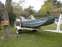 1986 14' MONARK ALUMINUM FLATBOTTEM BOAT AND TRAILOR AND MOTOR in Conroe, Texas