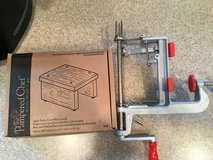 Pampered Chef apple corer/peeler and stand in Baytown, Texas