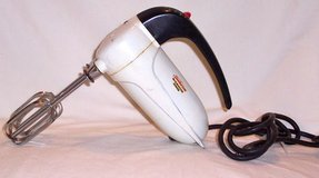 Mid-Century Sunbeam Mixmaster Junior - Electric Hand Mixer in Alamogordo, New Mexico